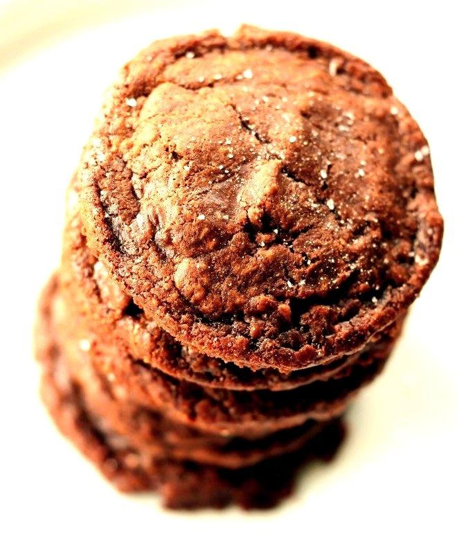 Recipe: Easy 5 Ingredient Fudgy Nutella Cookies with Sea Salt